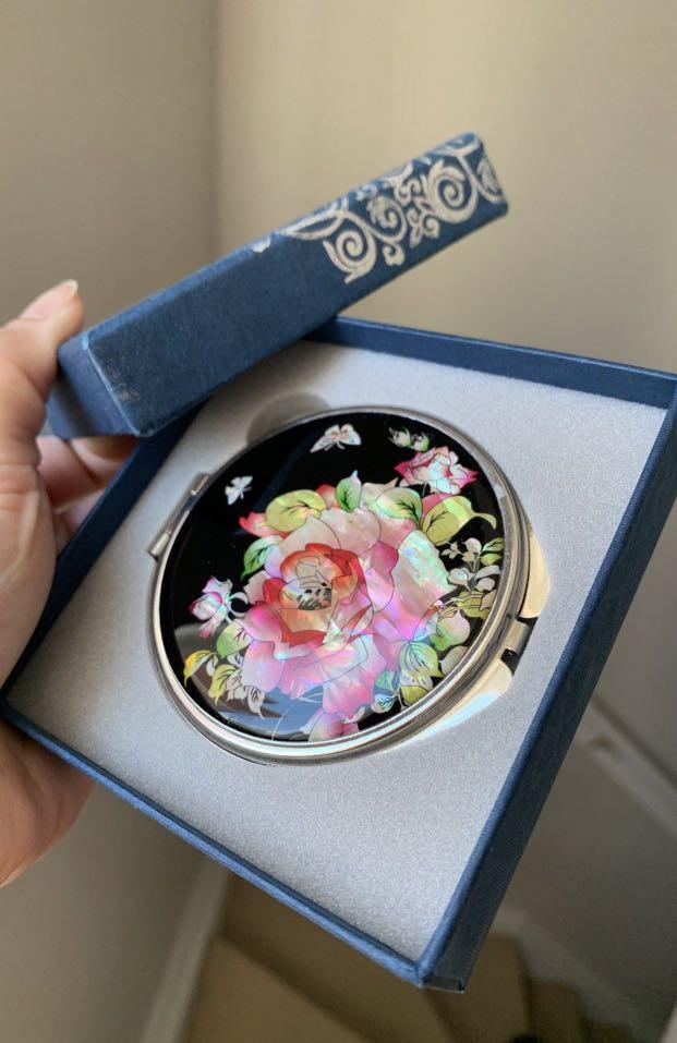 Mother Of Pearl Rose Cosmetic Mirror