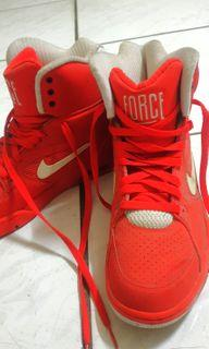 Nike Original。 this is new, size too small for me