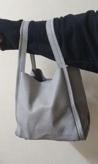 大象灰軟皮質手提側背包