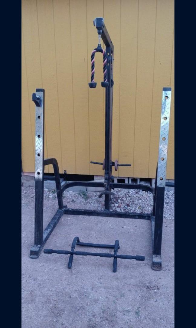 Bench and squat rack with cables