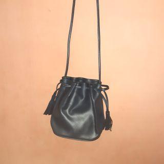 Dongker Bucket Bag
