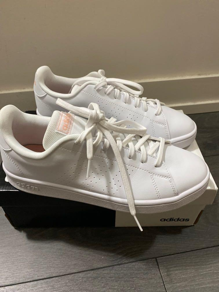 New in box: Adidas White sneakers Advantage Base size 9