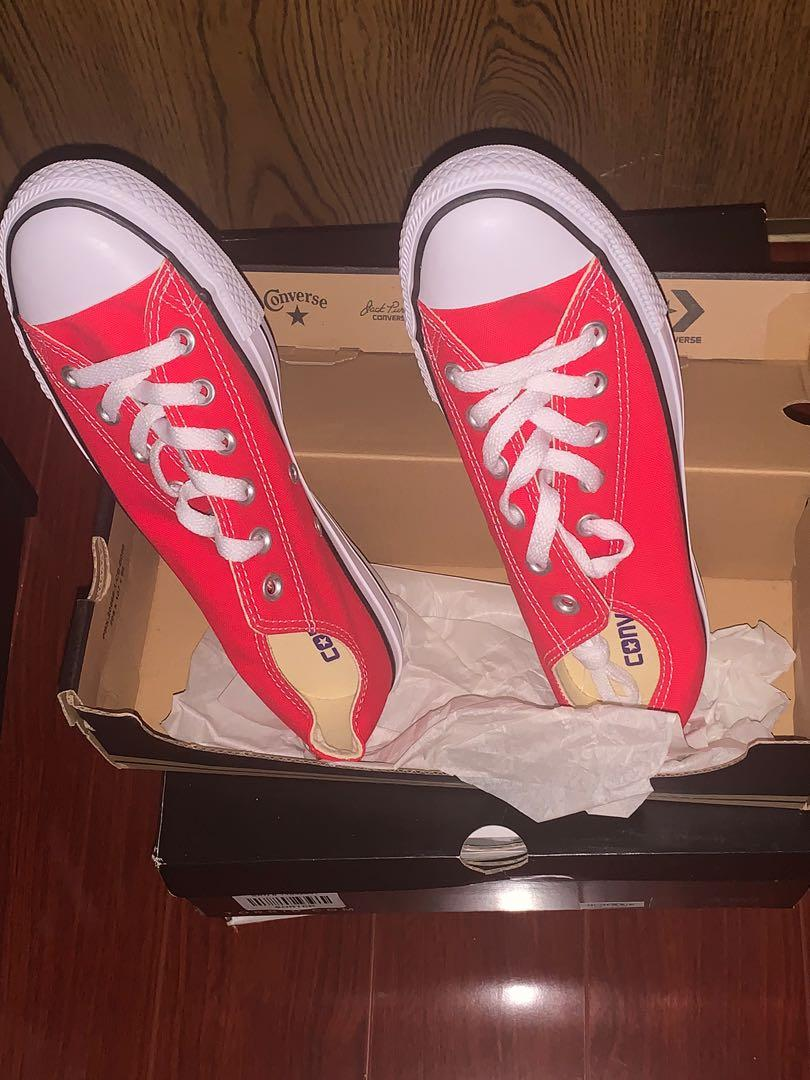 Red Converse, size 8 - BRAND NEW!