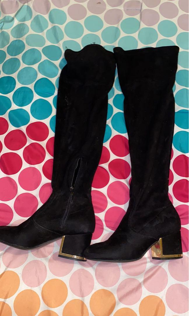 Black knee high boots size 6