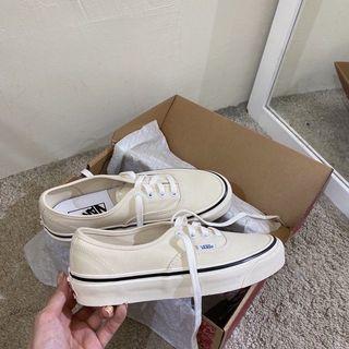Vans 奶油白鞋23號