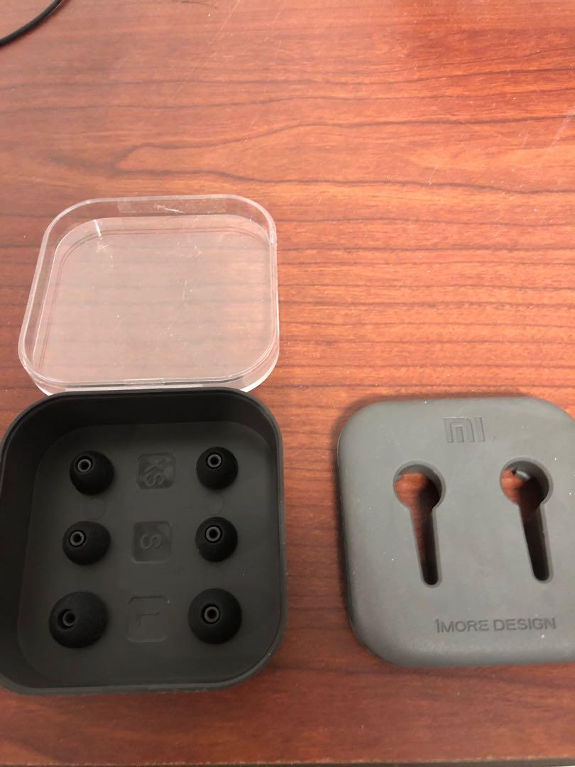 小米耳機盒(含耳套)、AirPods pro 耳機套、1.2M及1.5M有線重低音耳機
