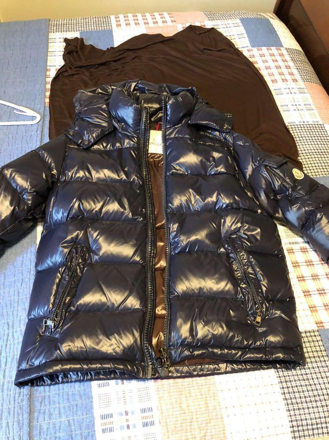 Moncler Jacket Navy Blue Size 3 | Great Gift for the Holidays