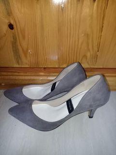 High heels grey abu abu bludru