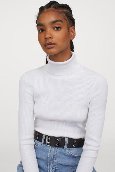 Zara Ribbed White Turtleneck (Size XS)