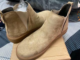 《全新》女靴24.5