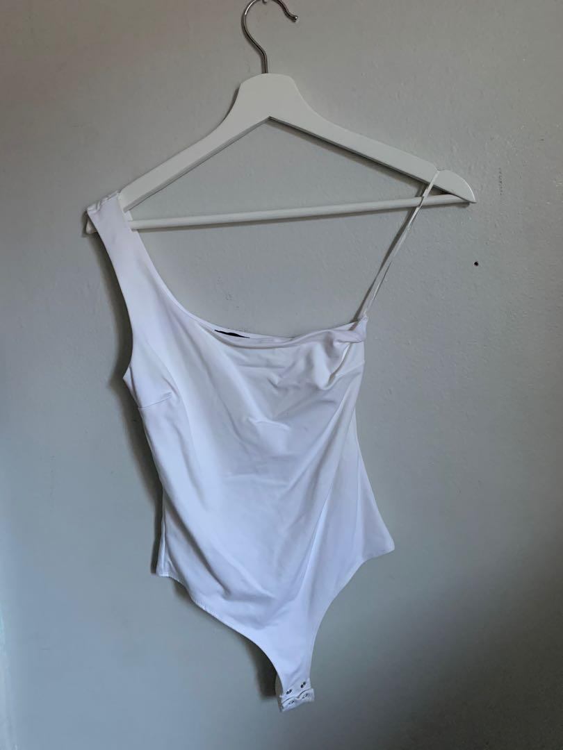 Dynamite one shoulder white top