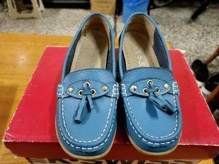藍色牛皮休閒鞋
