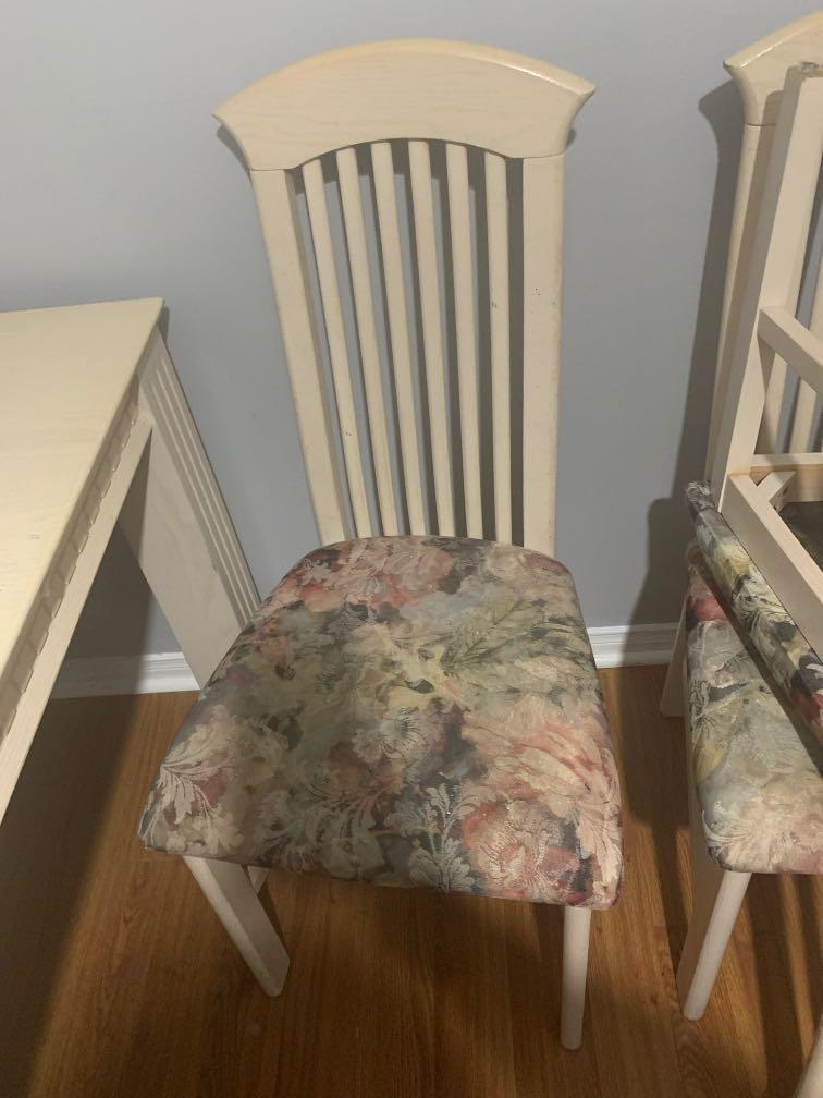 Table expandable 6 chairs