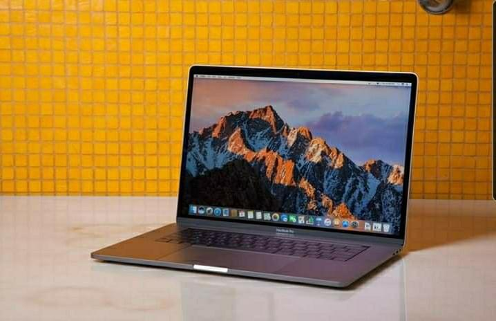 2019 Macbook Pro w/Touchbar 16 inches - i7,16GB RAM,512 GB SSD
