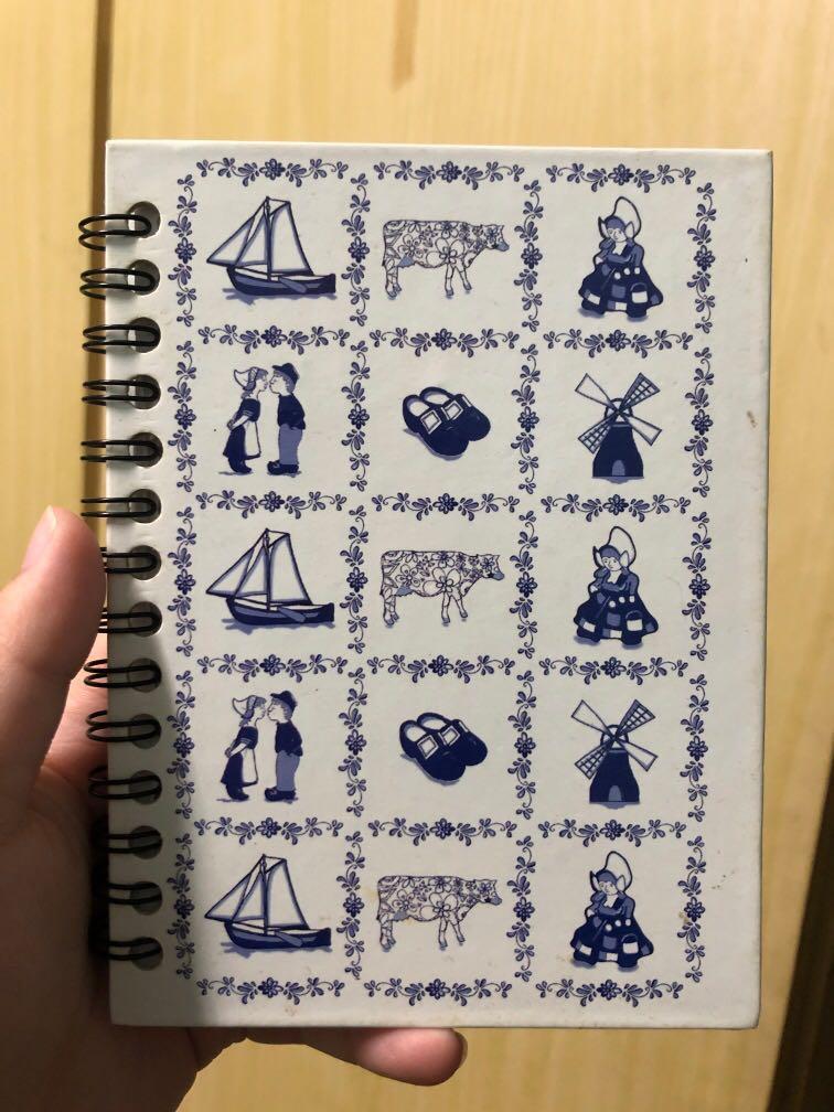 橫紋筆記本