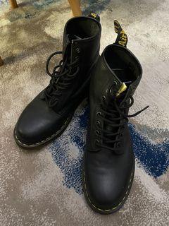 Dr.Marten 男靴 已送洗過 九成新