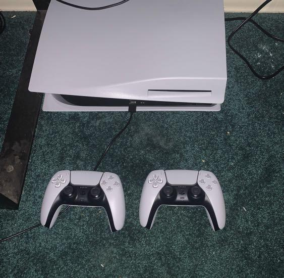 PS5 PlayStation 2 controllers
