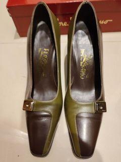 Ferragamo 拼色細跟鞋