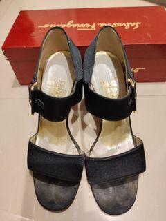 Ferragamo 緞面高跟鞋