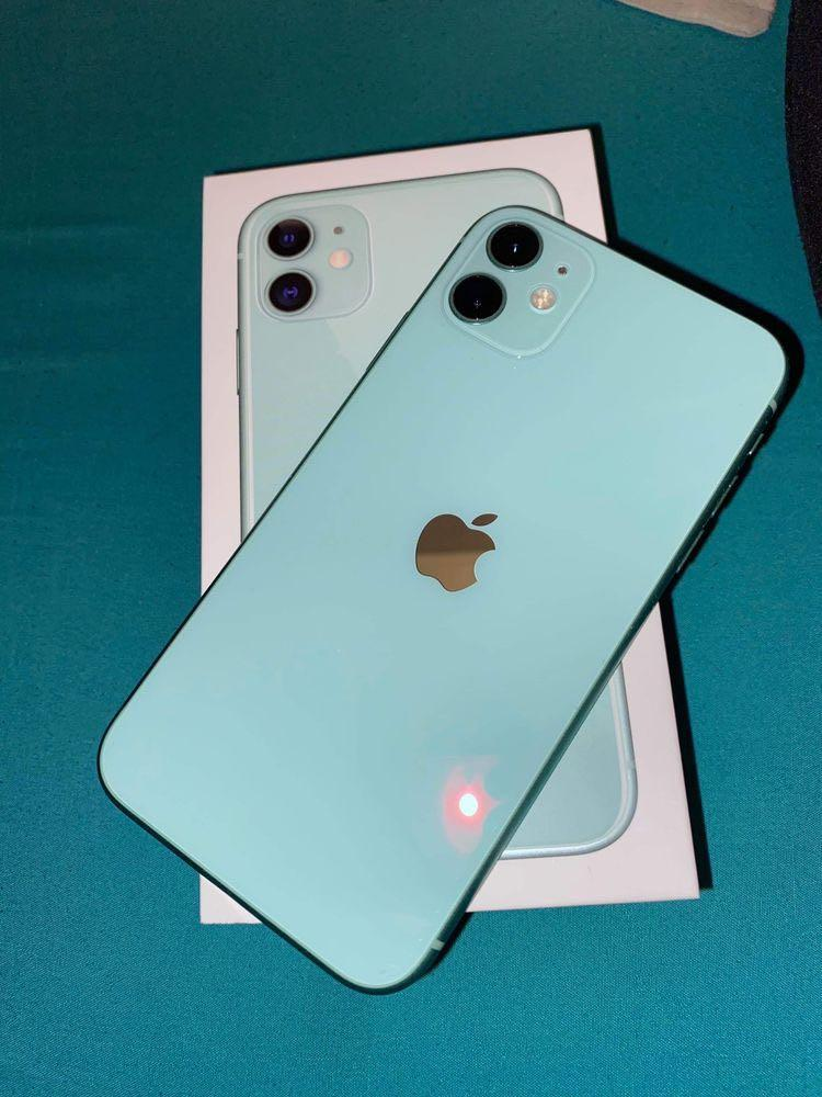 Iphone 11 teal just trying to sell it