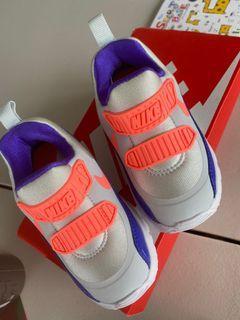 全新正版nike童鞋(螢光橘色系)尺寸7C