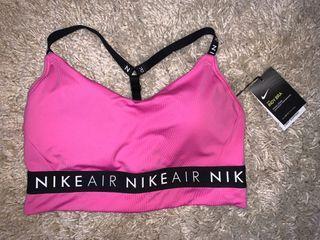 Nike sports bra BNWT