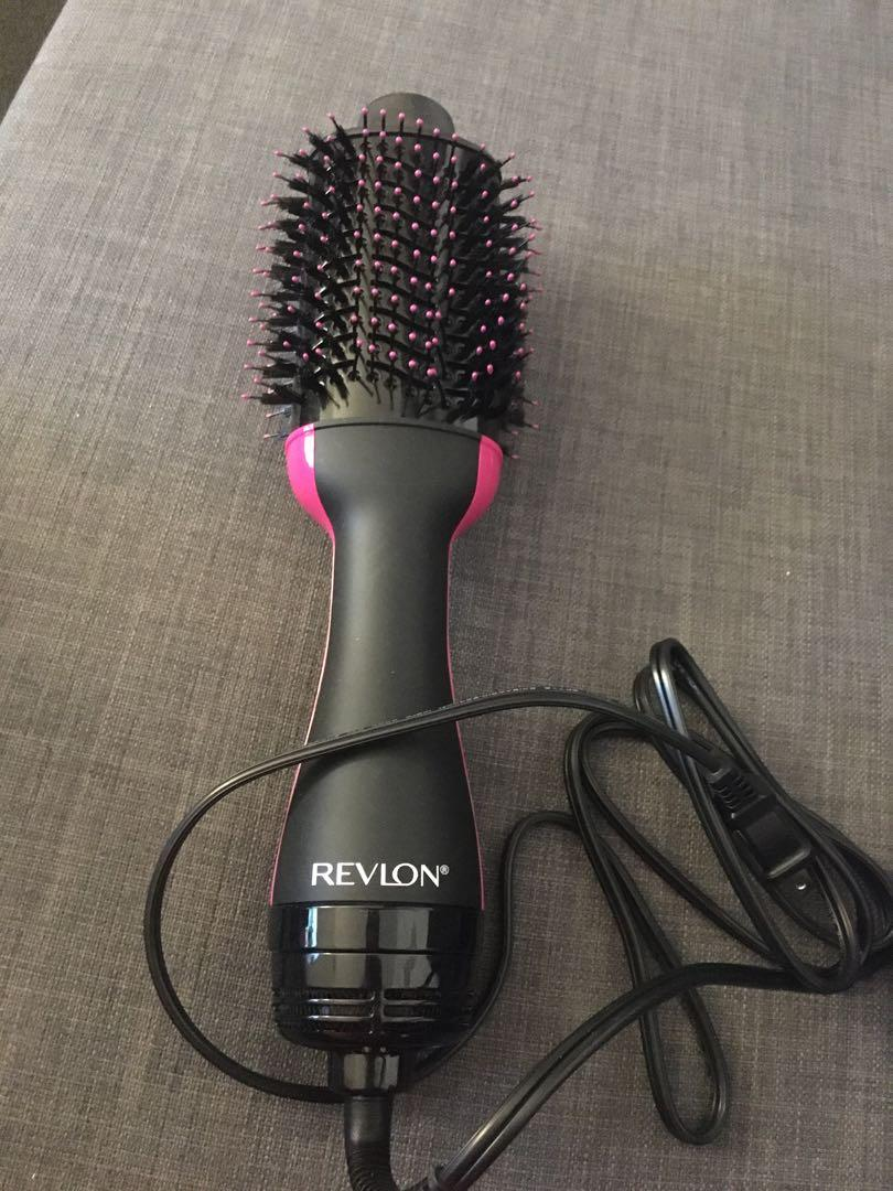 Revlon dryer and volumizer