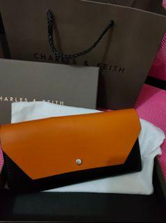 Brandnew! Authentic Charles & Keith Reversible Wallet