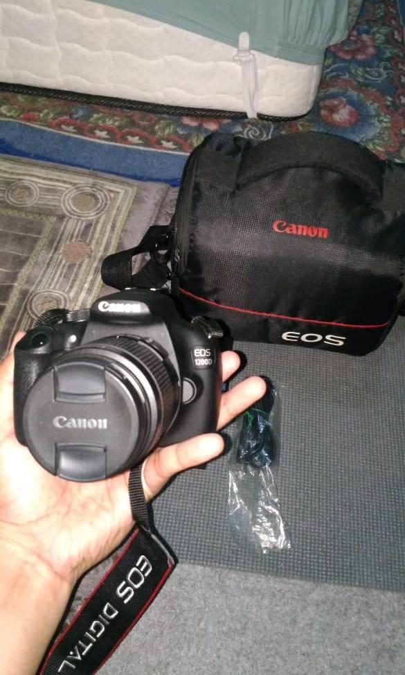 Camera Canon eos 1200D