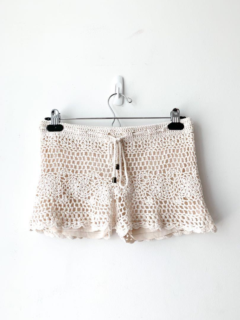 Forever 21  Crochet Lace Cream Shorts Size S