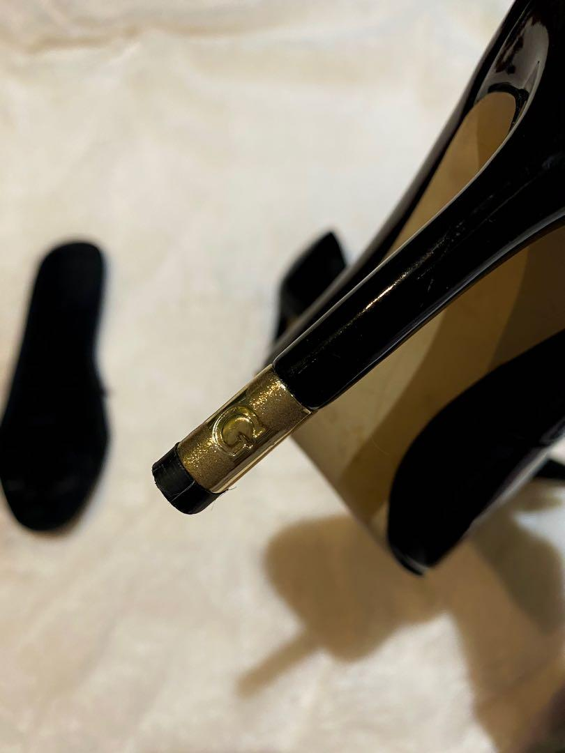 GUESS pointy shiny heels