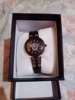 Jam tangan wanita vercase