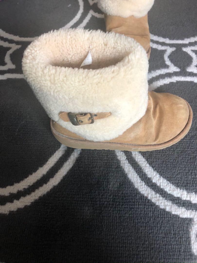 Uggs size 6 - 7
