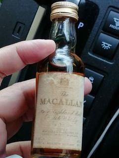 陳年舊版麥卡倫18年威士忌酒辦46ml一支。