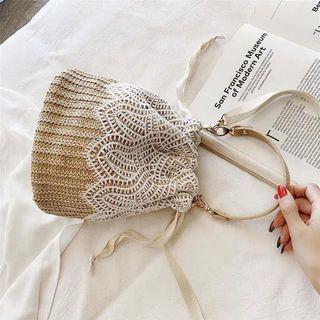 蕾絲編織抽繩水桶包