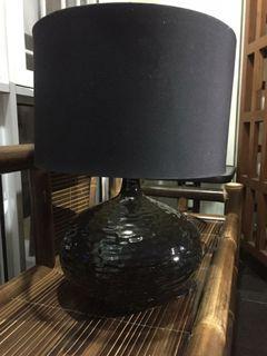 Lampu meja mewah