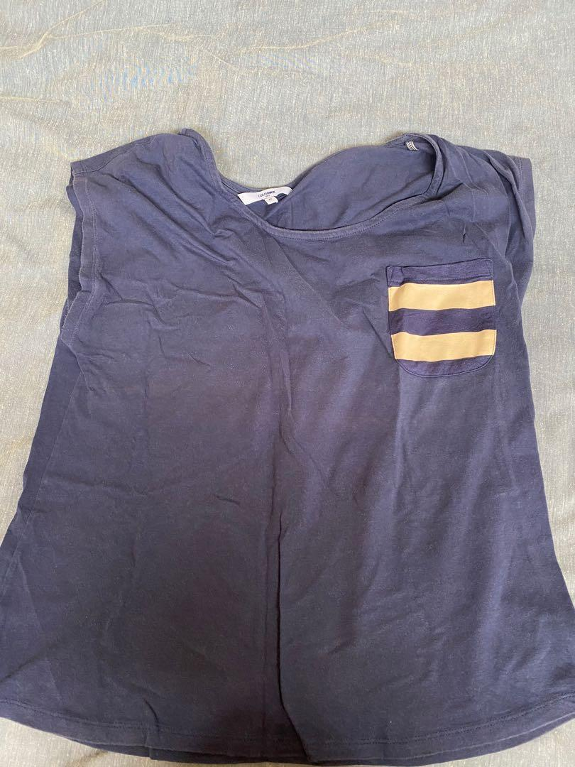 Navy short sleeve top with stripe pocket