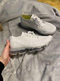Nike Vapormax Flyknit Triple White