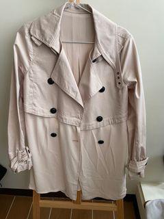 最後出清1/31下架!品牌二手秋冬季服飾 淺粉色長版 風衣  領可拆 百元有找出清