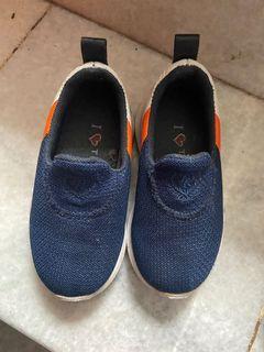 Sepatu Batita