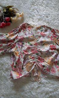Serut puffy floral top