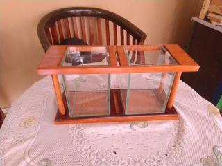 Tempat Aquarium Mini Kayu Model 2 Sekat