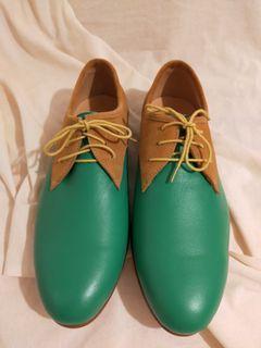 (全新)綠色真皮拼接款皮鞋