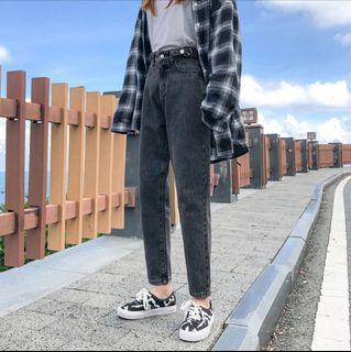 黑色牛仔直筒褲