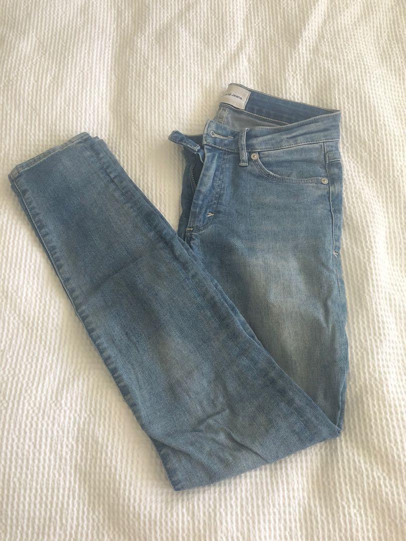 A brand skinny jeans