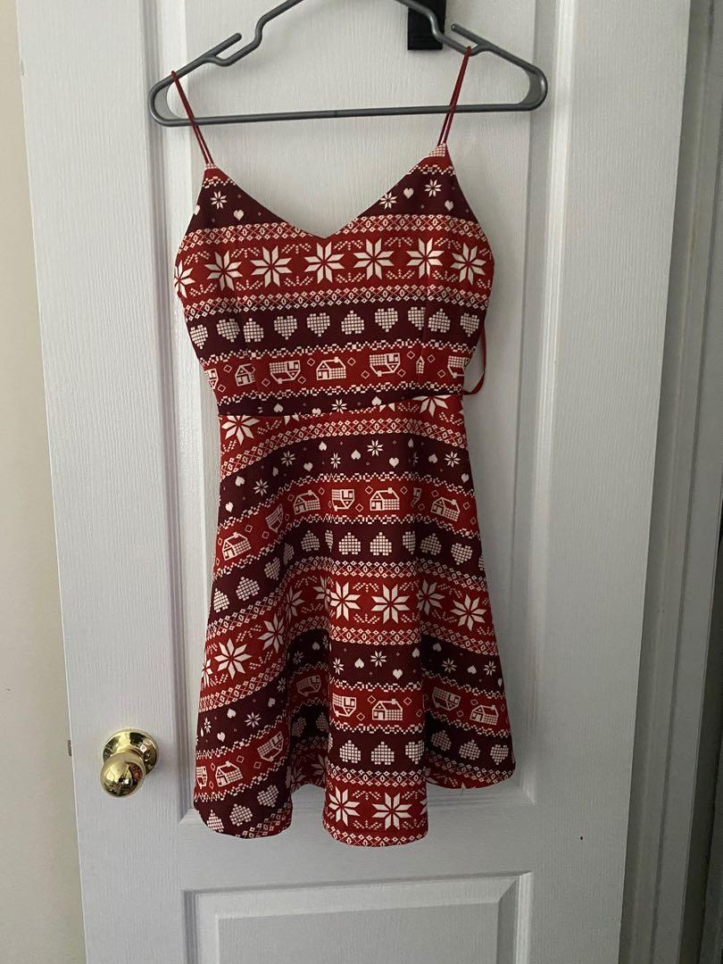 Adorable gingerbread dress in size Medium