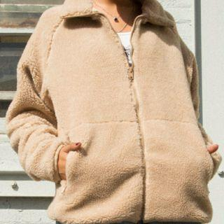 brandy melville泰迪熊米色外套(要賣的私訊我)