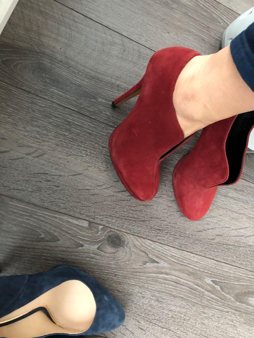 Dark red heels size 6
