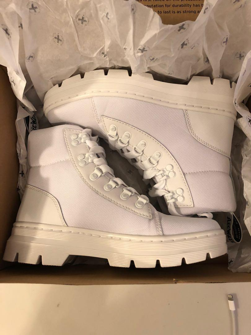 Dr. Martens combs white size 6