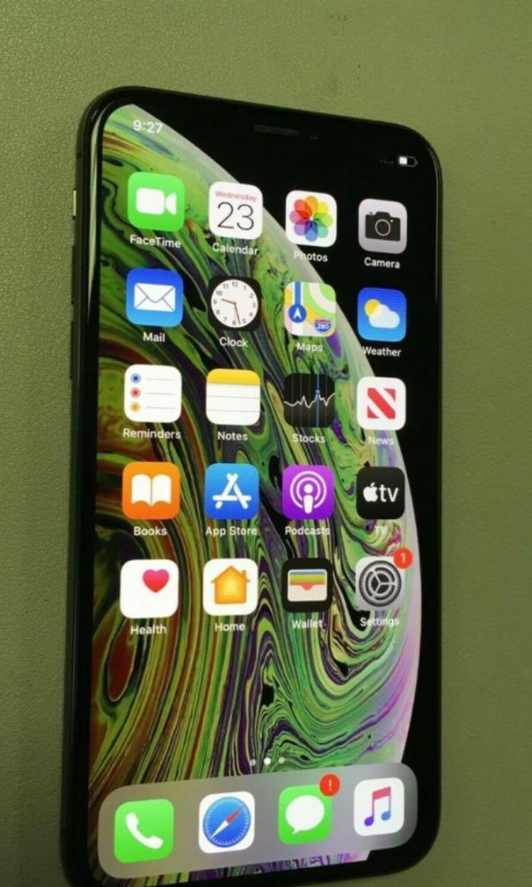 iPhone XS (Unlocked/64GB
